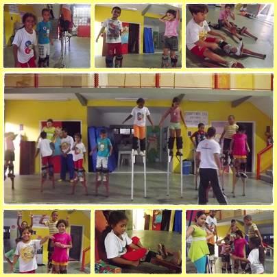 As crianças e adolescentes do Atendimento Pedagógico dão um show de equilíbrio em cima das pernas de pau!!!