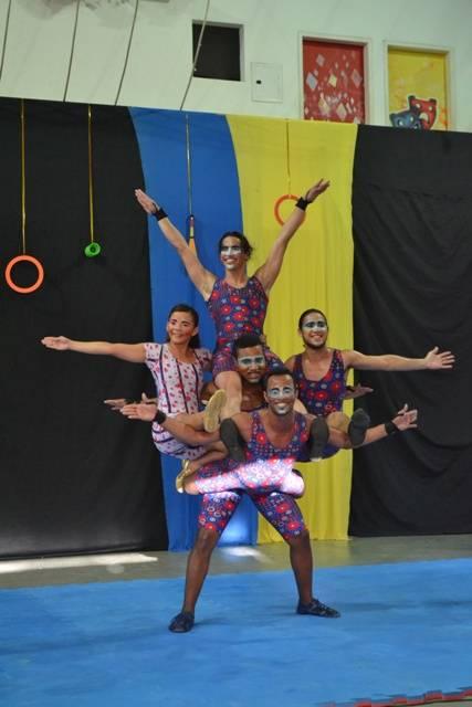 Sonho do circo por Sávio Uchôa