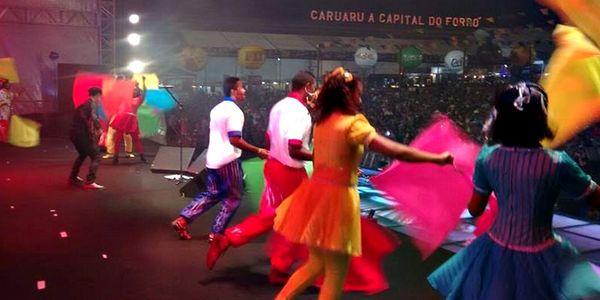 EPC - Fim de semana show na Abertura do São João em Caruaru